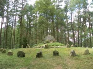 am Ehrendenkmal .