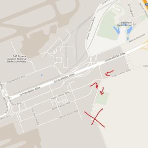 Ficktreff auf Anhöhe Wald BBI Flughafen